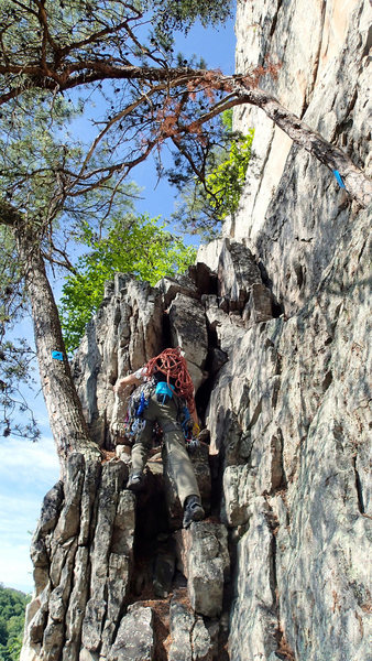 Rock Climbing Photo: The final scramble to gain Upper Broadway