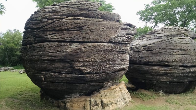 Rock Climbing Photo: Some of the bigger boulders in the back of the par...