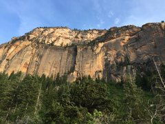 Rock Climbing Photo: The great dihedral goes up the large left facing c...