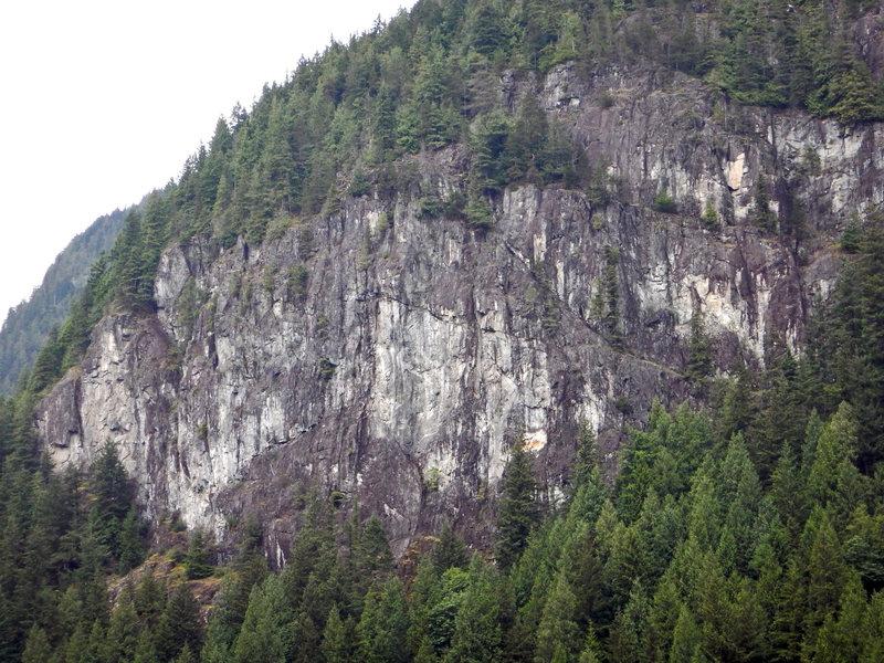Davis Lake Crag from Davis Lake