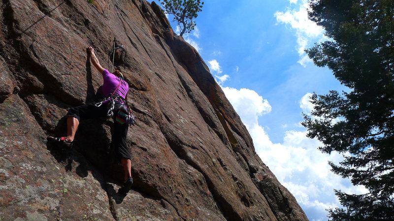 Rock Climbing Photo: Lower portion of Bear Hug.