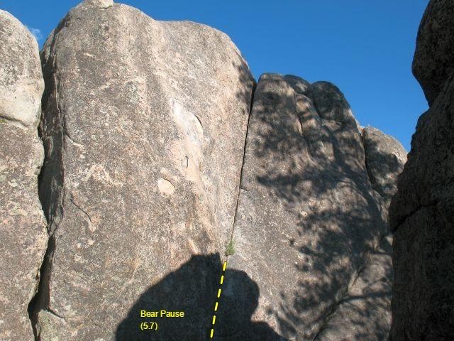 Rock Climbing Photo: Bear Pause (5.7), Holcomb Valley Pinnacles