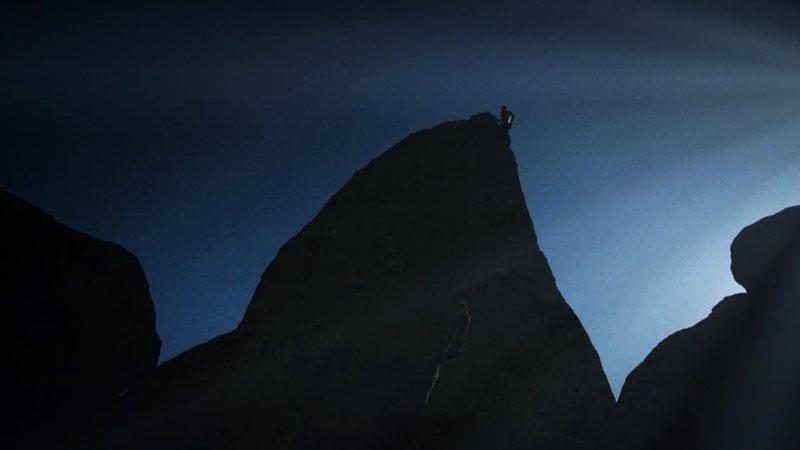 Rock Climbing Photo: Shark's Fin Arete Free Solo.
