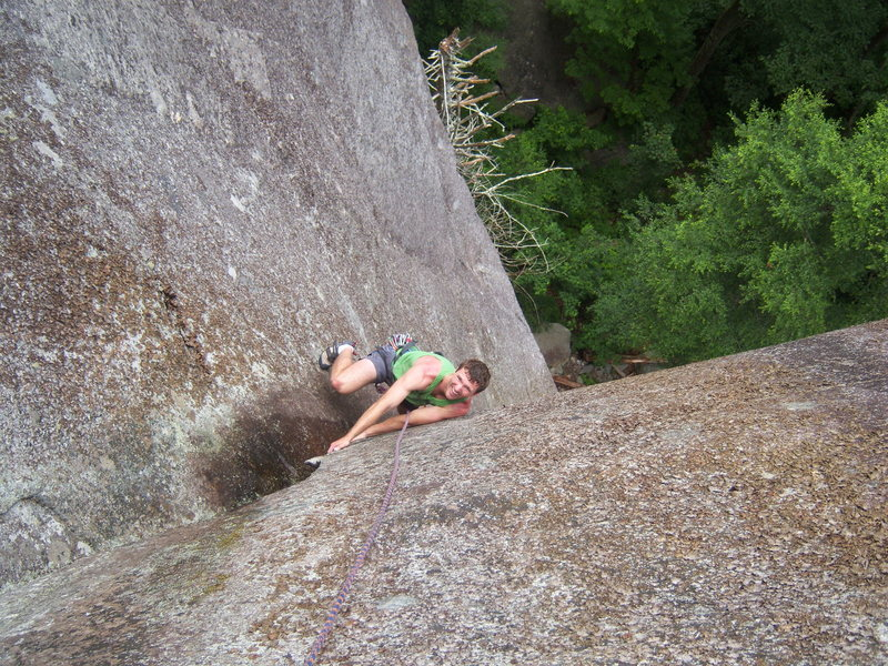 Rock Climbing Photo: TRing Cornflake Crack on a wet day. Upper Pitch 2,...