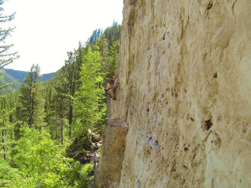 Arron dukes it out with James Blonde, 5.11b