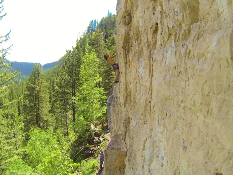 Rock Climbing Photo: Arron faces James Blonde, 5.11b