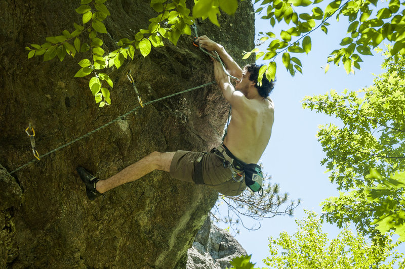 Rock Climbing Photo: Making the 4th clip before the crux