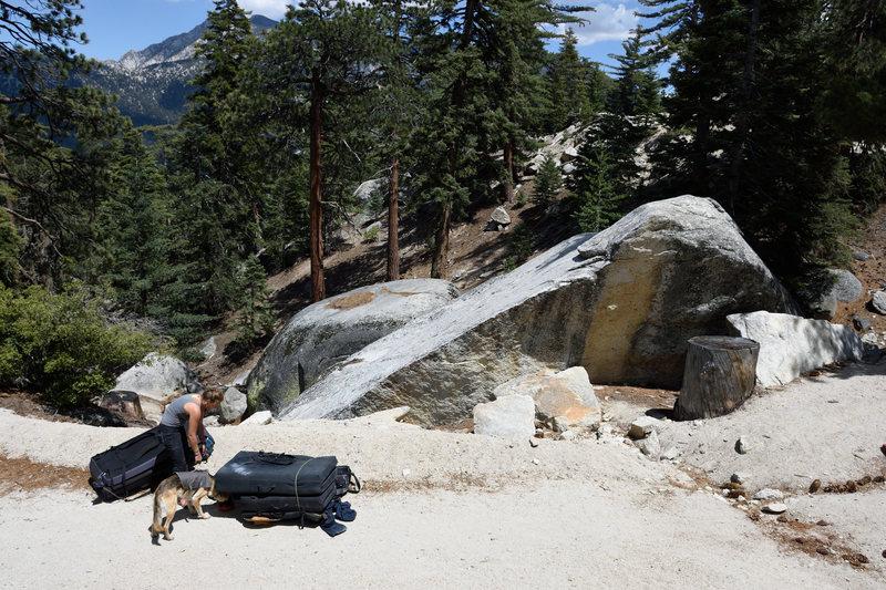Rock Climbing Photo: Roadside Arete