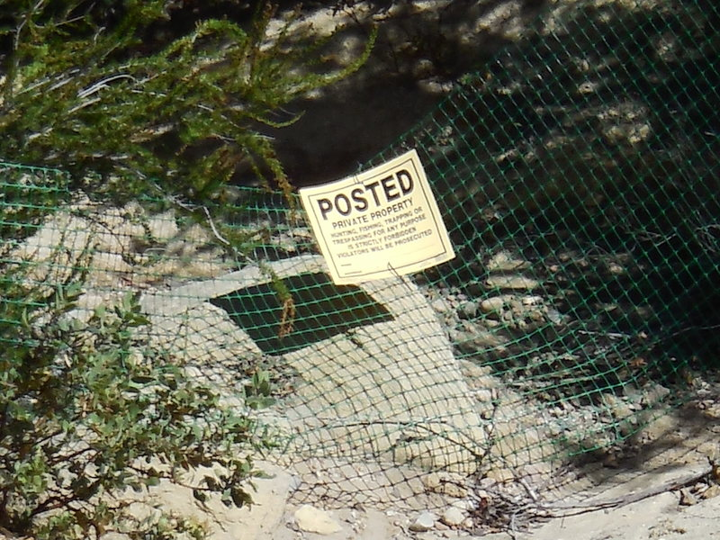 Rock Climbing Photo: This sign is attached to a rather flimsy barrier/f...