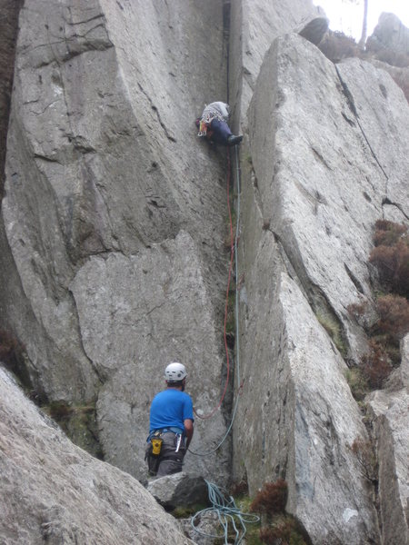 Rock Climbing Photo: Placing gear / cleaning out grass in the groove. P...