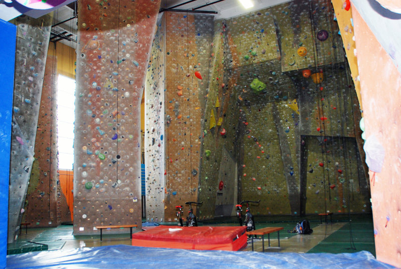 Gym A, <br> One of the two rooms of this huge climbing gym. That also has (but can't see) a training section, a kids section and a boulder section (plus the other room which is even bigger)