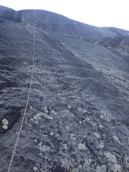 Rock Climbing Photo: Black Streak, with rope running up to the Direct F...