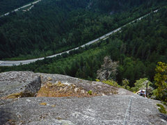 Rock Climbing Photo: 4th Pitch. Passing over the crux with some great e...