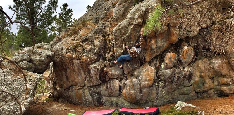 Rock Climbing Photo: Heath Lillie Finishing the top part of V2 on the M...
