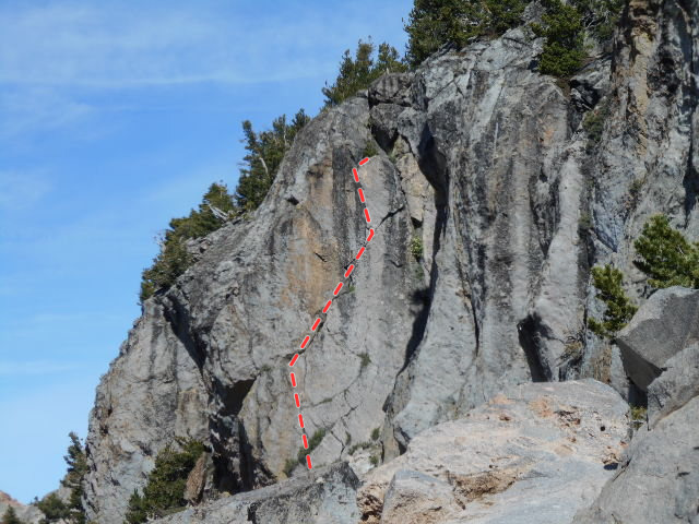 Lightning Crack. Anchors are at the small tree at a large ledge.