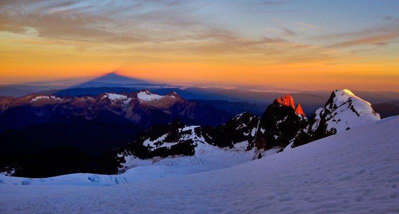 Sunrise over Colfax Peak from the Easton Glacier