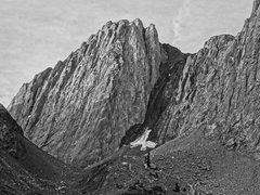 Rock Climbing Photo: Mount Morrison from the entrance to the hanging va...