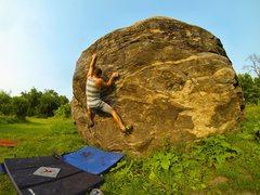 Rock Climbing Photo: Grabbing the Boulder by the Horn