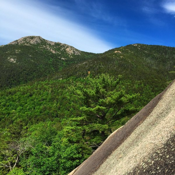 Rock Climbing Photo: Mt. Chocorua over your shoulder while you climb