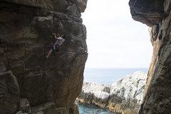 Rock Climbing Photo: Projecting...