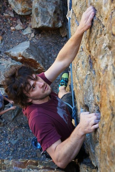 A boulder problem with a rope