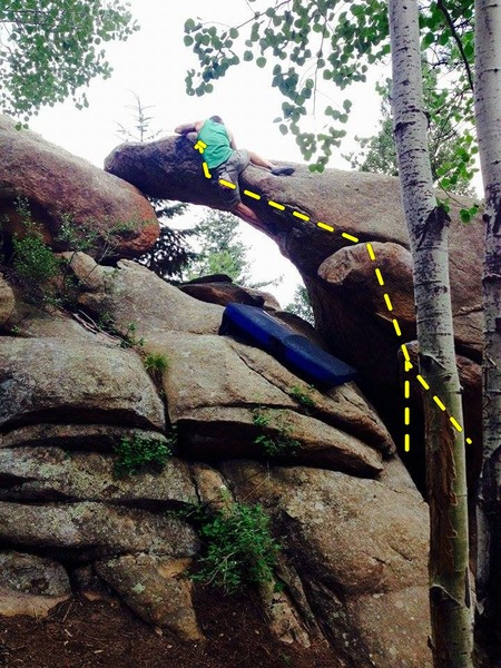 Alien, V5 - absolutely beautiful climb, big throw followed by a side mantle over the gorgeous arch on solid slopers. How many boulder problems take you up 15 feet without being a highball??? Perfect, although I think it's more of a V4 :)