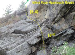 Rock Climbing Photo: The standard approach route to reach the ledge bel...
