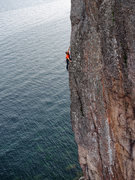 Rock Climbing Photo: Sailing between water and rock on Sunny and Sheer....