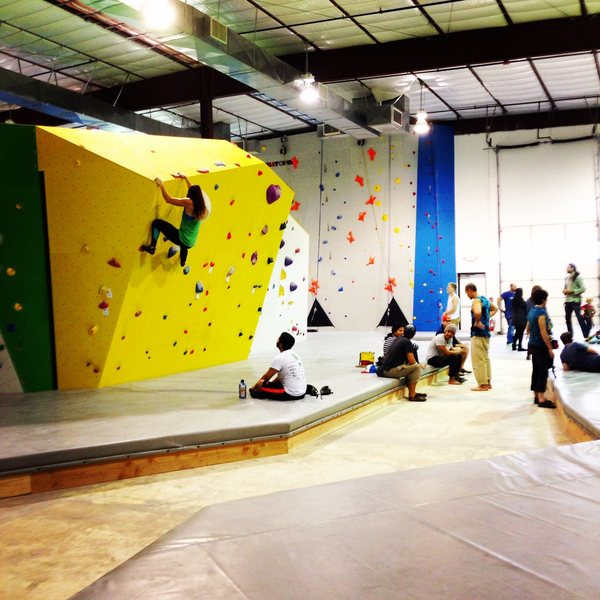 Rock Climbing Photo: Climbing on the center boulder. Top-outs can be th...