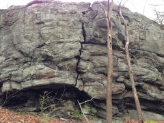 Obscure overhanging crack near squirrel rocks