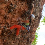 Rock Climbing Photo: Pulling hard on the crossover move from the sharp ...