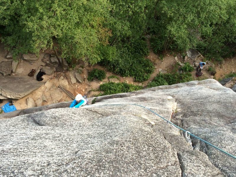 Jess jamming in the first vertical crack (that leads to the horizontal traverse crack).