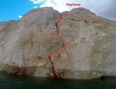 Rock Climbing Photo: A toprope anchor would be easy to set at the top.....