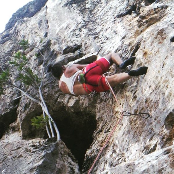 This is a good way to get seriously hurt and make your belayer cringe.