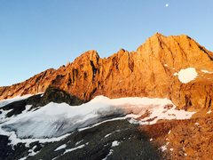 Rock Climbing Photo: Alpenglow on Middle Palisade and Norman Clyde Peak