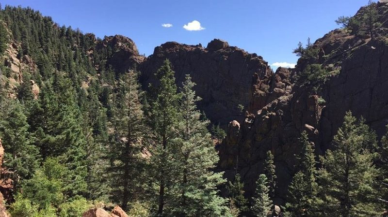 Rock Climbing Photo: A look east from about 1.5 miles up the canyon tow...