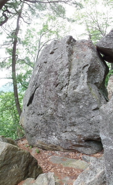 The Burried Treasure boulder. Several good lines on this one.