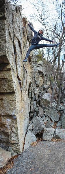 Handful of fun boulder problems along the trail at the Gunks. [Natalie Duran]