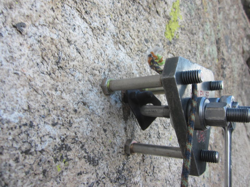 """Geir's bolt-puller Hurly in action. This thing destroyed 1/4"""" and 3/8"""" split-shafts and left nice clean holes for the new 1/2""""SS ASCA bolts."""