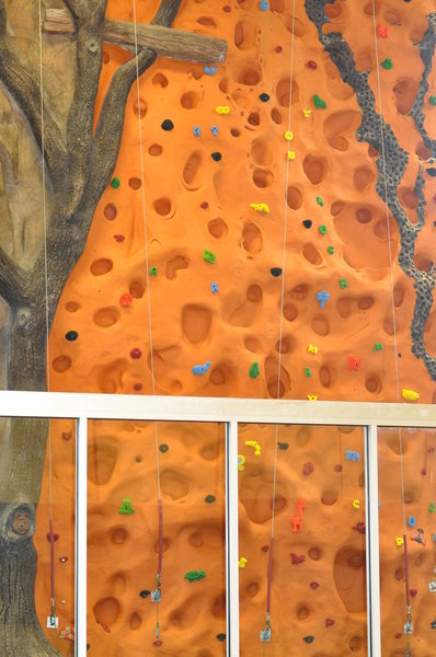 Our kids Auto belay wall looking nice and new! Thanks Atomik holds for making this look so kid friendly!