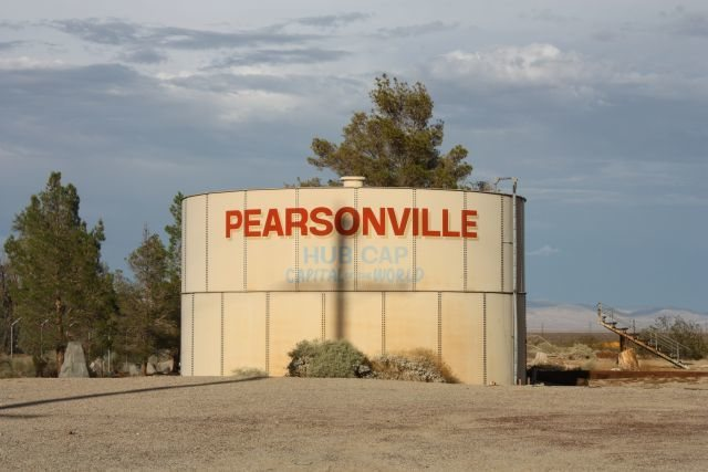 Rock Climbing Photo: Pearsonville, CA: Hubcap capital of the world, Sie...
