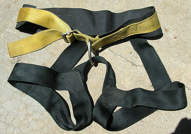 @POUND@2 Clan Robertson harness, front