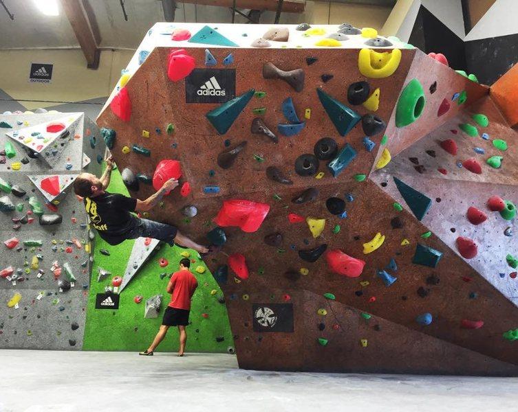 Rock Climbing Photo: HANGAR 18 SAN CLEMENTE