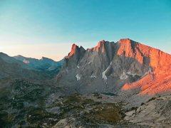Rock Climbing Photo: Cirque of the Towers firstlight, Alpine starts are...