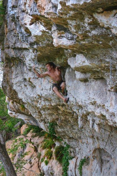 Rock Climbing Photo: Learning to Crawl