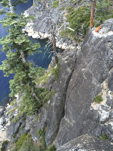 A short, easy, but splitter crack right above the lake