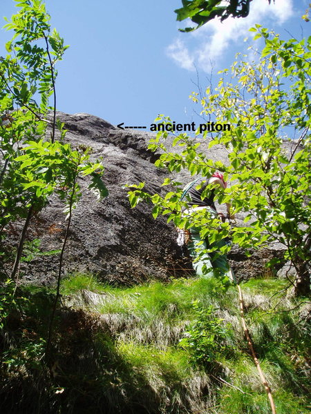 "The Grassy Ledges at the start of Ground Control's P1 and ""A Night Climb's"" 2nd to last pitch."