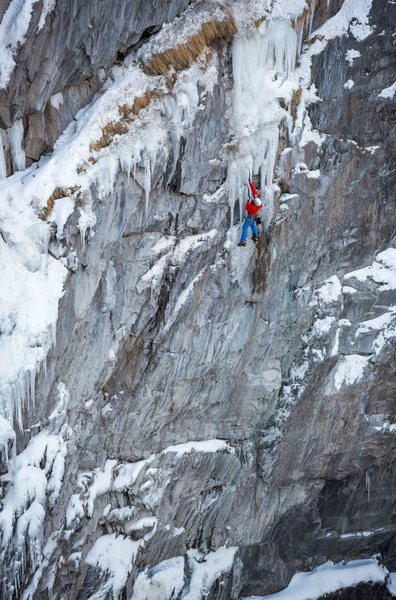 P1 of Ha Dov, Bear Creek Falls Wall, Ouray.<br> <br> Photo: Karsten Delap.