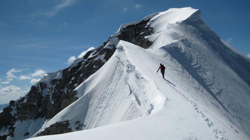Rock Climbing Photo: The summit ridge of Mount Temple