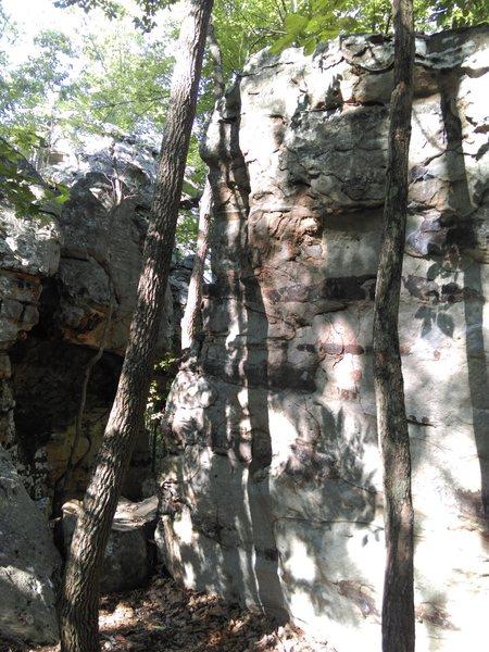 Rock Climbing Photo: Uner the Pews arete